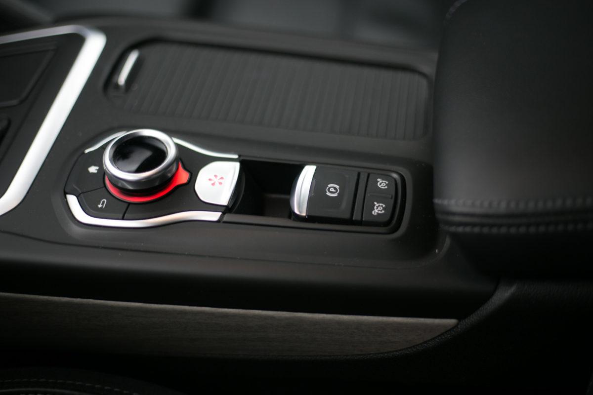Renault Talisman control wheel